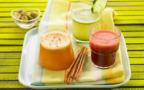 Chế độ ăn kiêng giảm cân bằng hoa quả và rau xanh