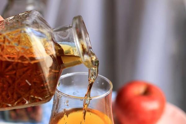 Cách làm giấm táo đơn giản tại nhà