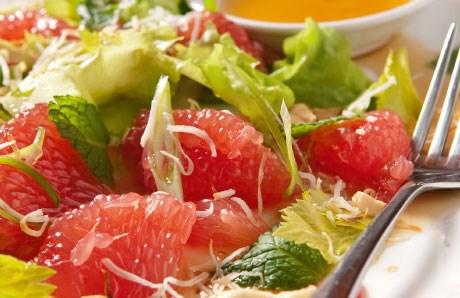 salad-buoi-la-phuong-phap-giam-can-don-gian-tien-loi