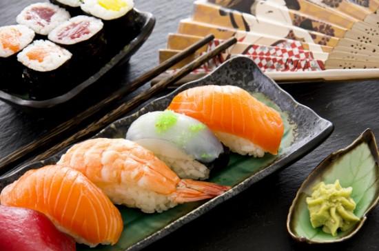 Bí quyết giữ gìn vóc dáng của phụ nữ Nhật Bản là ăn cá hàng ngày