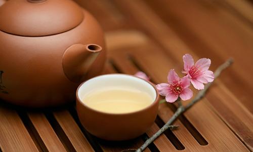 Người Nhật giữ gìn vóc dáng thông qua việc uống trà hàng ngày
