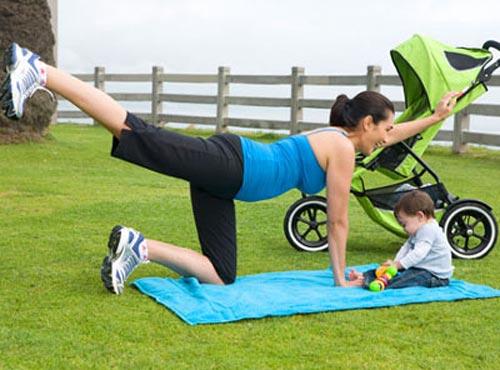 Giảm béo sau khi sinh bằng cách tập Yoga