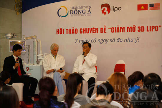 Hai chuyên gia tận tình chia sẻ và giải đáp các thắc mắc nhận được từ phía khách hàng tham dự