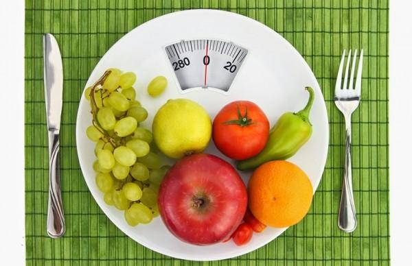 Thiết lập chế độ ăn uống điều độ hỗ trợ giảm mỡ lưng