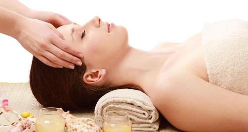 Massage - Cách giảm mỡ mặt đơn giản tại nhà