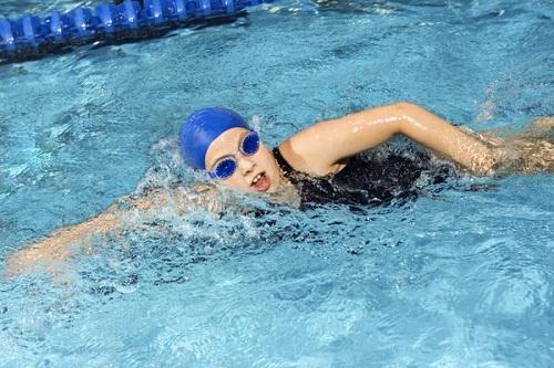 Phương pháp giảm mỡ bụng nhanh bằng bộ môn thể thao dưới nước