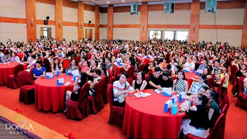 Ngọc Hân đẹp hút hồn dự khai trương chi nhánh Đông Á Beauty - 3