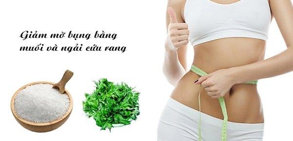 Giam mo bung sau sinh bang muoi va la ngai cuu