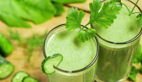 Uống nước ép cần tây để giảm cân nhanh chóng