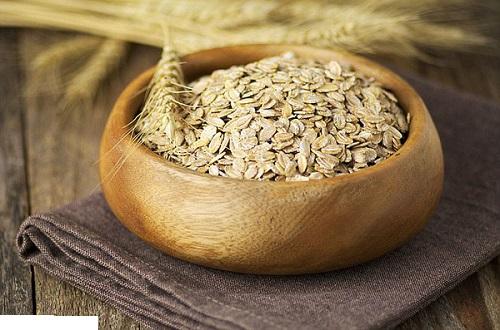Ăn sáng ít calo để giảm cân với cháo yến mạch