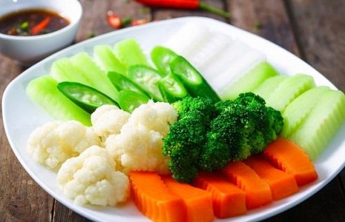 Ăn rau củ luộc để hạn chế tích tụ mỡ thừa